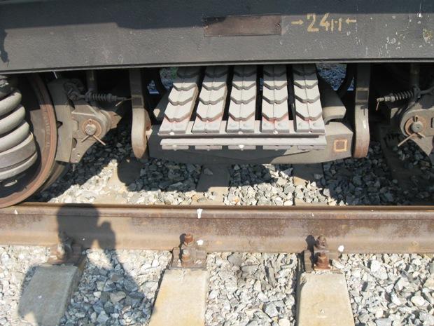 Эллиптическая рессора на вагоне